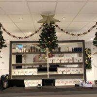 kerstbomen in kapsalon